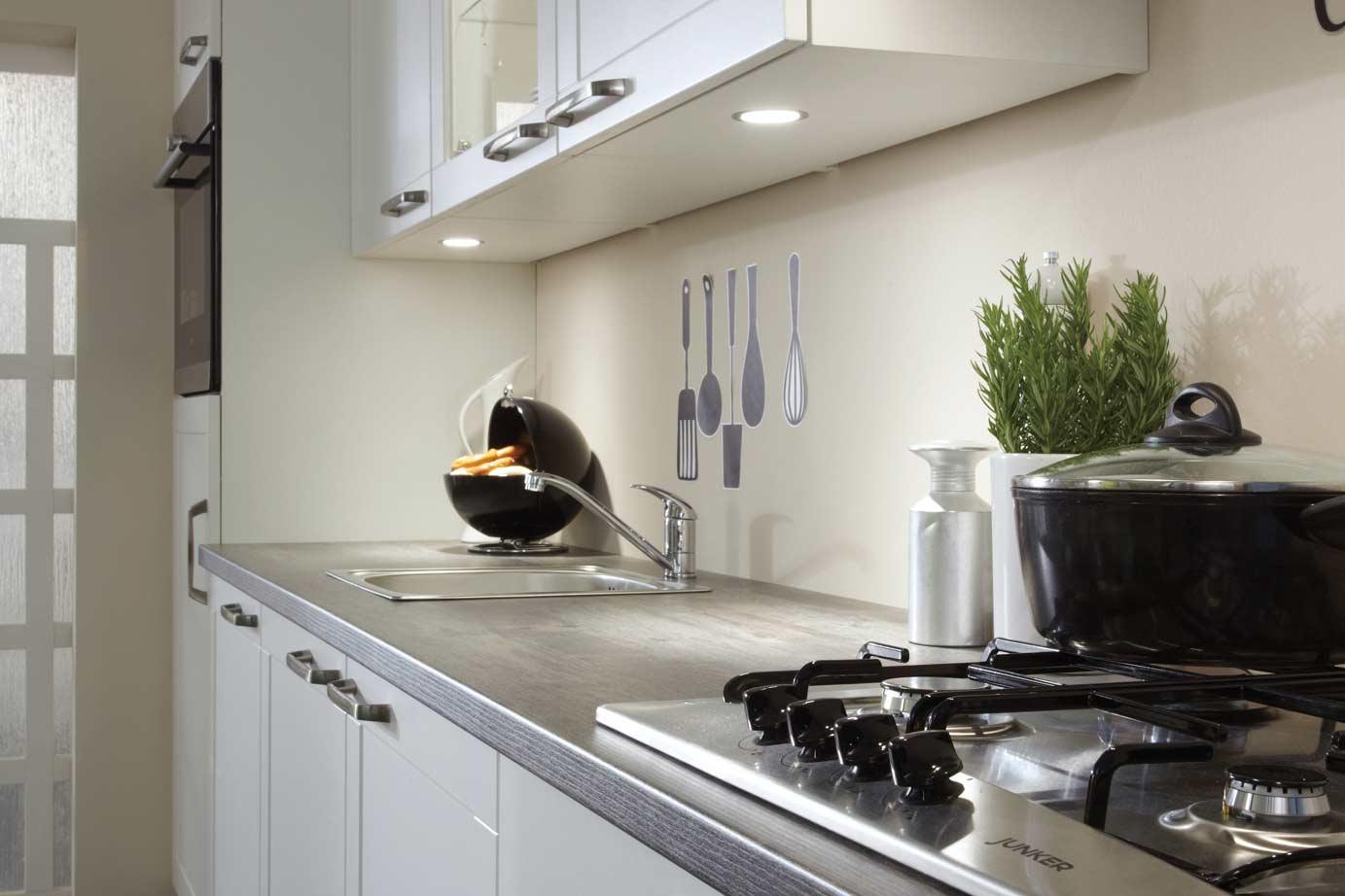 Goedkope keukens onwaarschijnlijk lage prijs for Ouderwetse keuken te koop
